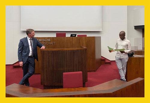 Beispielbild für Treffen mit Politiker:innen: Frank Imhoff und Teilnehmer von Spot on Democracy in der Bremer Bürgerschaft
